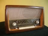 Ein 50 Jahre altes Röhrenradio kommt zu neuen Ehren als Windows Home Server.