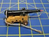 Einsetzen der Grätings und erste Versuche mit dem Takeln der Kanonen.